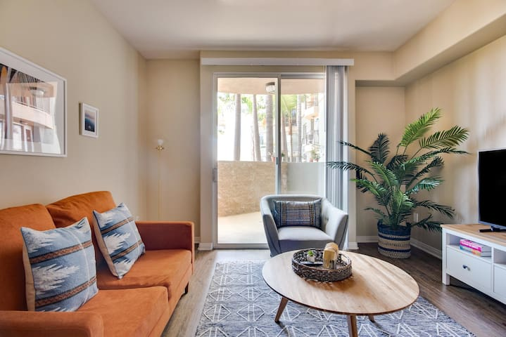 Sophisticated 1BR in Marina Del Rey w/ Parking