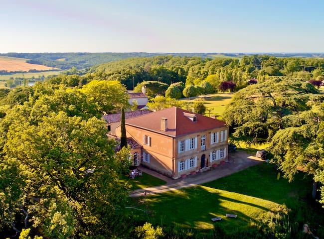 Château de Luxe 7ch/7sdb+clime+piscine chauffe