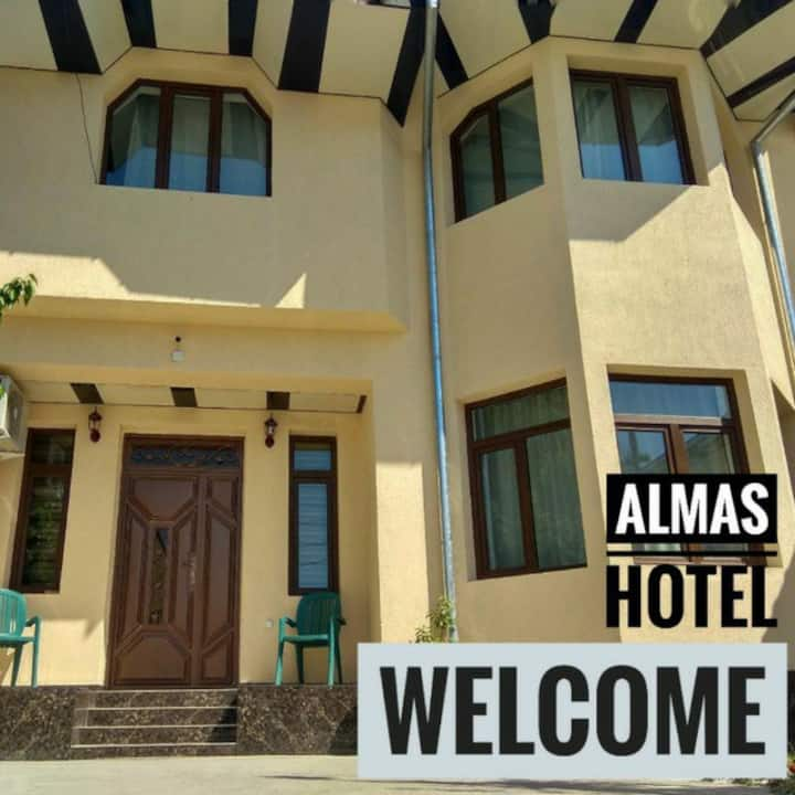 Family Guest House Almas
