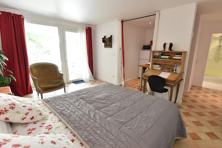 Superior double room - calm - Moret-sur-Loing - Bed & Breakfast