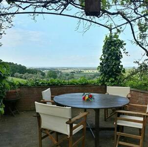 Villa con piscina privata - castagneto carducci