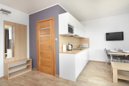 Nowoczesny apartament z balkonem, 50m od morza! 5 - Jastarnia - Apartemen