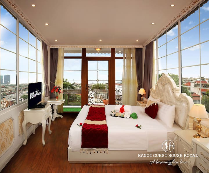 Fabulous Room With City view & Balcony