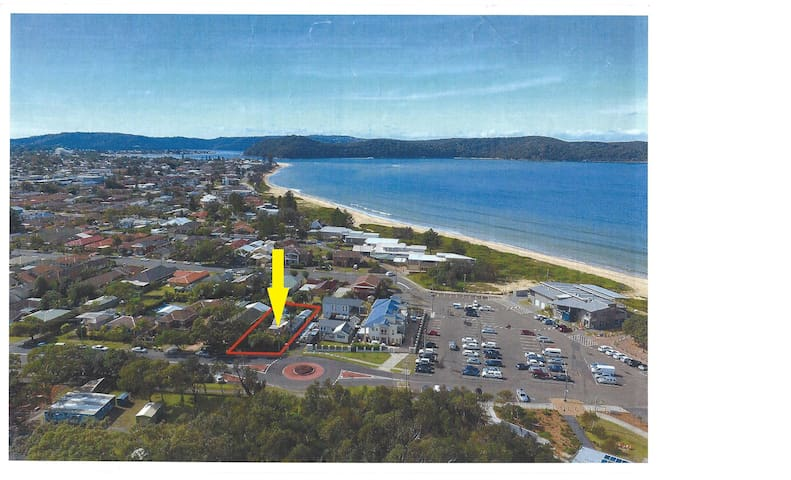 Here's a location shot, of our place, it's right at Umina Beach, looking towards Ettalong. The Recreational Park, playground, cafe are on the right.
