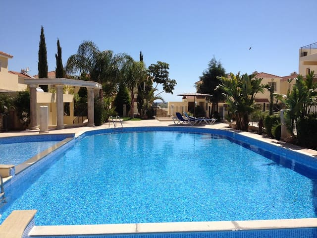 Your Holiday House / Free Pool + Wifi
