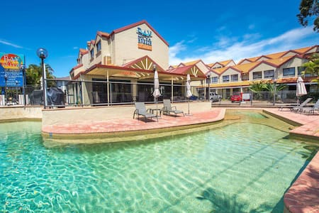 Bay Breeze Villa 10 @ Nelson Bay