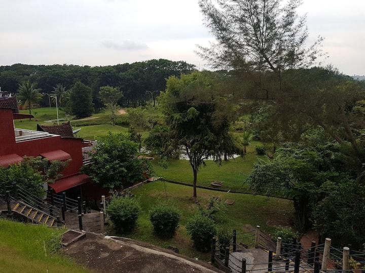 Titins Apartment Indah Puri Sekupang block5#01/04.