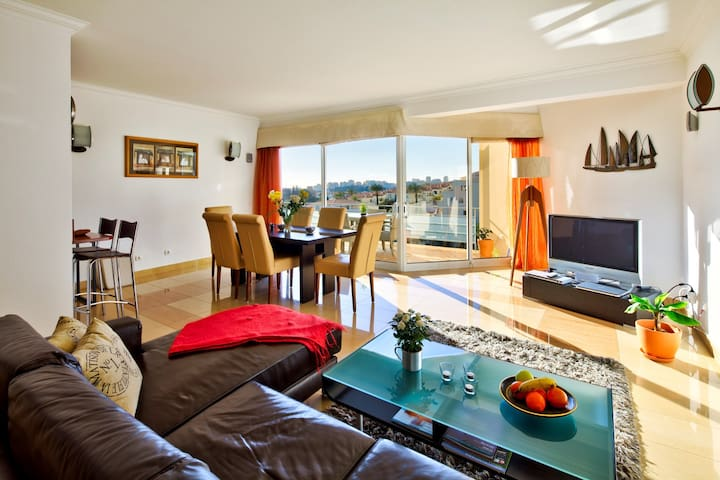 Modern spacious penthouse apartment, with sea views - Parque nº 6