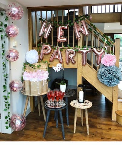 The Oaks reception hall decorated for a hen party.  Balloons and decorations are not provided by the host.