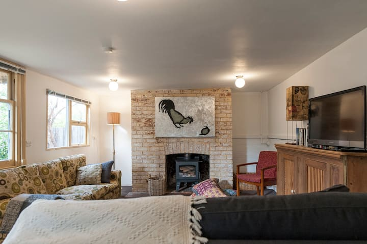 Funky North Hobart garden flat