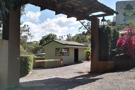 El Bosque Lodge Agroecoturismo - San Ramón - バンガロー