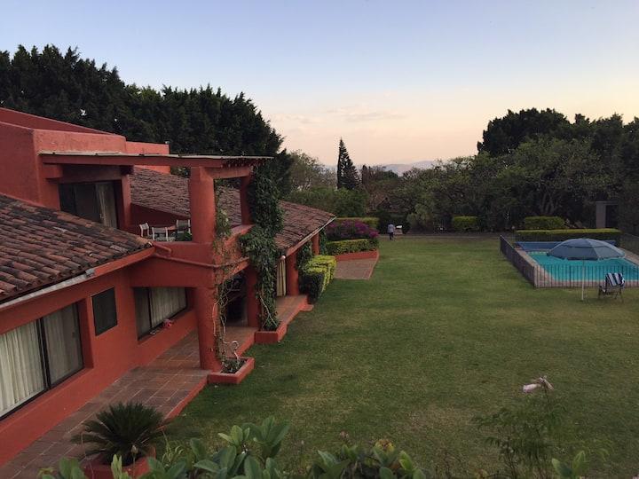 Increíble Villa en Tepoztlán para 18 personas