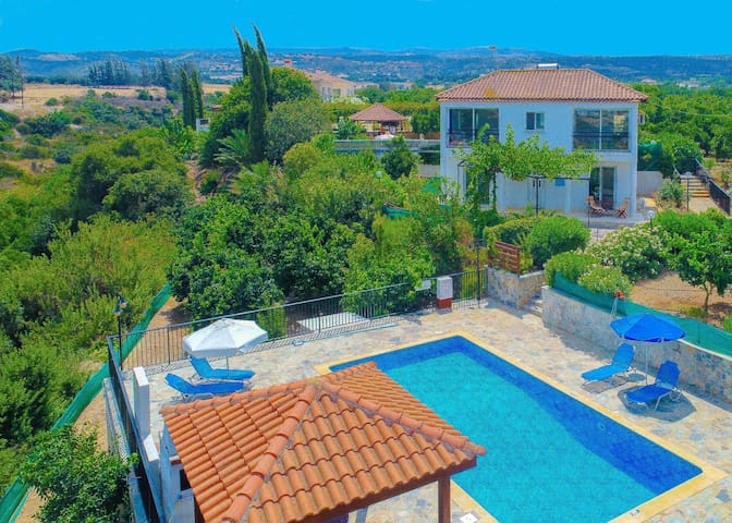 Aphrodite Finiki: Private pool, garden, A/C, Wi Fi