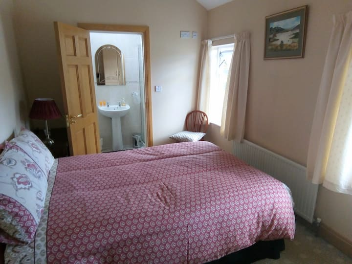 """Rosarie""Ballinasloe home away from home Bedroom 1"