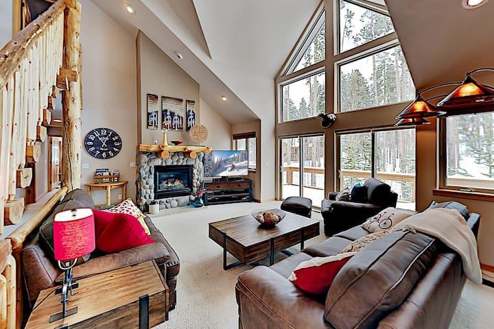 Spacious Home Near Ski Resort | Private Hot Tub