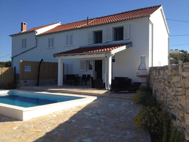 Two bedroom house with air-conditioning Veli Rat, Dugi otok (K-12436)