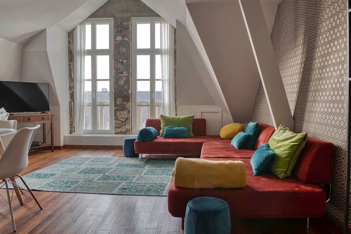 Duplex Apt in City Centre with Terrace