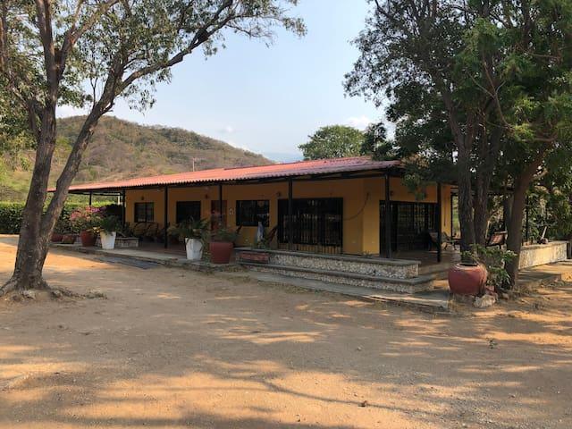 Hacienda campestre cerca al Parque Tayrona