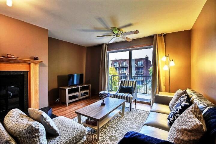 #460 Amazing 2 Bedroom APT in Montreal