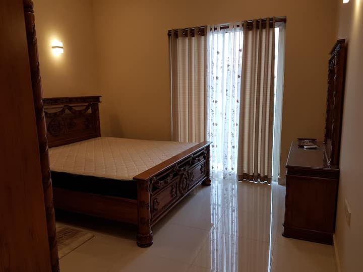 Colombo-04, 3 Bed fully furnished Luxury Apartment