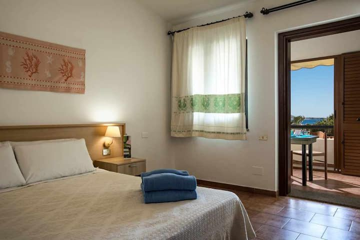 Seaside apartment (4 sleep) in Villasimius