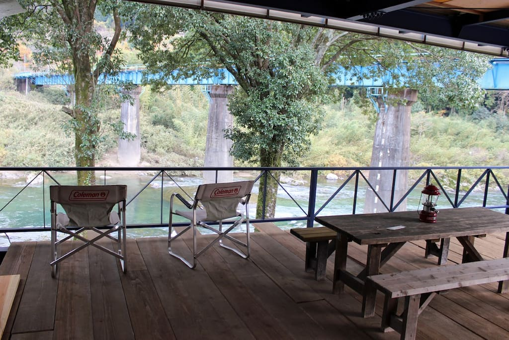 Your own private river view roofed deck. enjoy BBQ, reading books, take a nap, or just chill out with bird singing BGM.