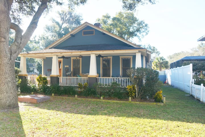 Central Location, Charming Historic Bungalow