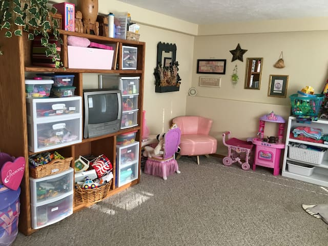 Toy Room with VCR and plenty of movies and games