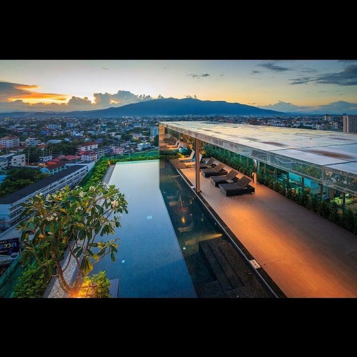 Astra B11 Chiangmai NightMarket清迈古城 长康夜市 无边泳池套房