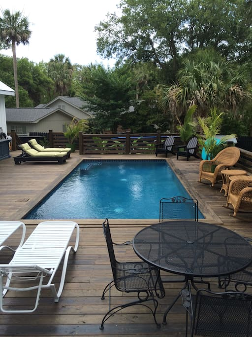 Rear Deck and pool