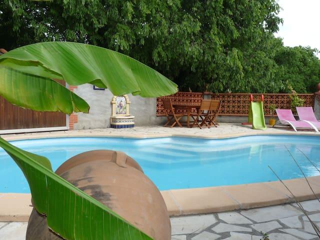 logement climatisé tout confort 100m² 6/8 pers - Trouillas - Apartment