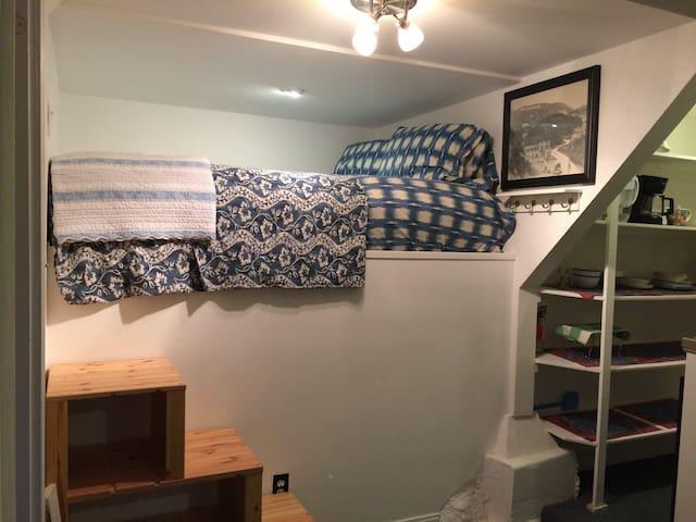 Queen size comfy berth bed