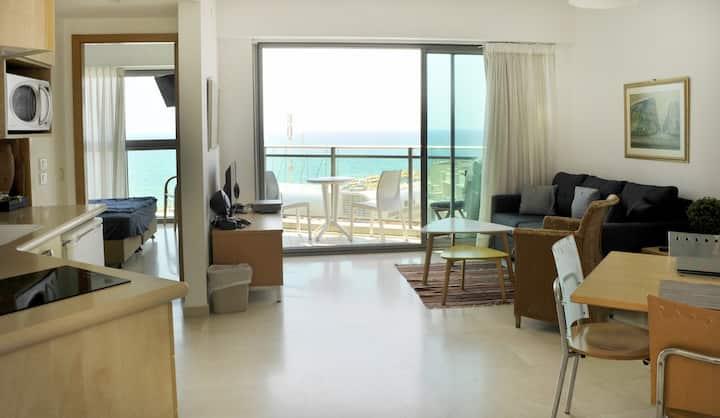 Herzliya Beach: stroll to the sea,  work or rest.