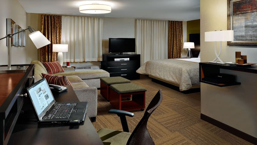 Cozy Studio Suite Near Seagate Convention Center | Shared Indoor Pool + Free Breakfast!