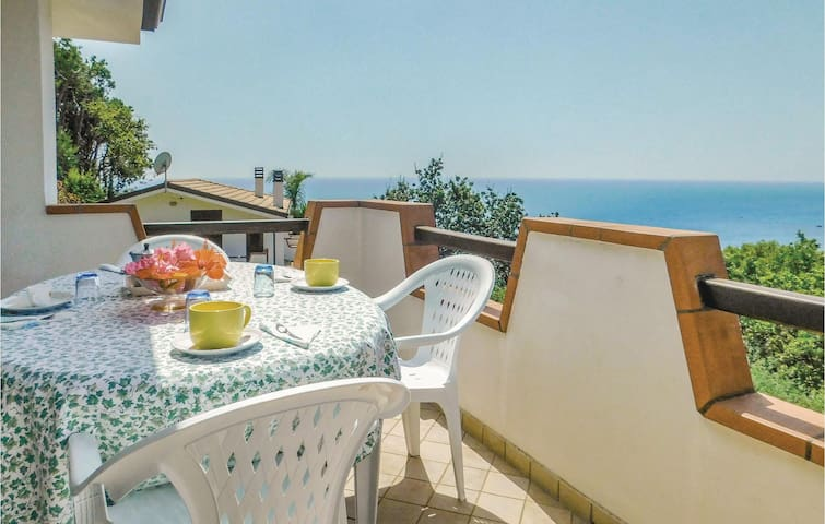 Holiday apartment with 2 bedrooms on 85m² in Joppolo VV