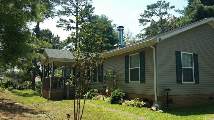 Salem Ridge- Close to everything Western NC offers