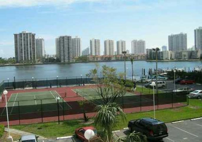 North Miami Beach Apartment for rent 1 bed/1.5bath - Aventura - Apartment