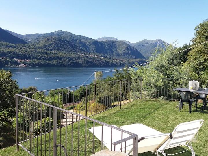 Lago Orta appart. Manuela vista, spiaggia giardino