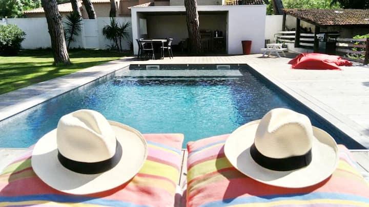 Villa moderne - piscine chauffée - plages