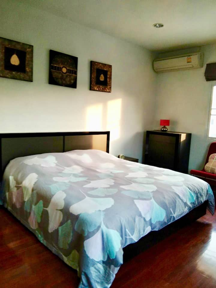 Private home with nice garden near Bangsaen beach
