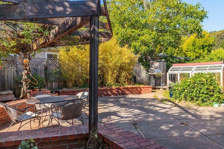Family Holiday Getaway - Small town charm near SF - Fairfax - Casa
