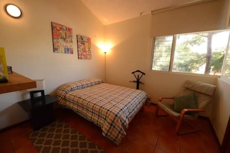 Casa Schumann. 2 Private Bedrooms - Zapopan