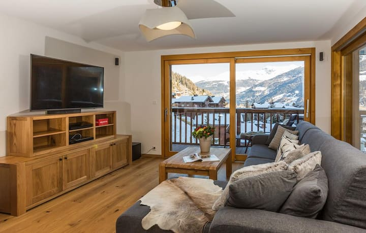 Chalet les Rahâs by Mrs Miggins, Luxury Apartment 3 bedroom with jacuzzi