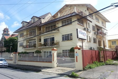 Business/casual chic Apartment - Port of Spain