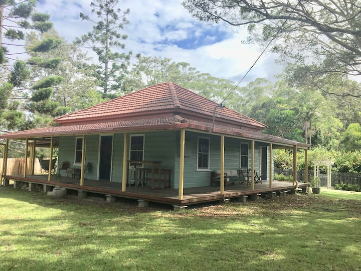 Ferry Cottage Urunga : The Rivers and the Sea