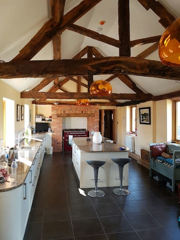 Character barn conversion - Bentley, Redditch - House