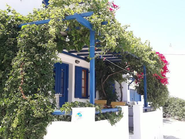 Foskolos Studios no5 in Kamares Sifnos