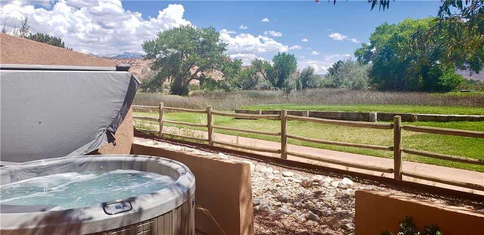 One of the few units located on the golf course. Views of the lake, mountains and Moab Rim from your private hot tub - Adobe Dreams ~ 3292