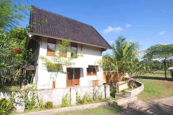 Villa Kemos Sempiak Holiday Houses