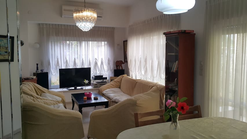 7' Dr To Beach -Cozy,Quite,Comfy,Large 4 BdRooms - Kiryat Bialik - Appartement